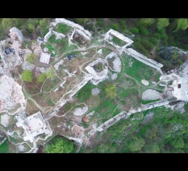 900-650-zrucanina-hradu-gymes-3-min