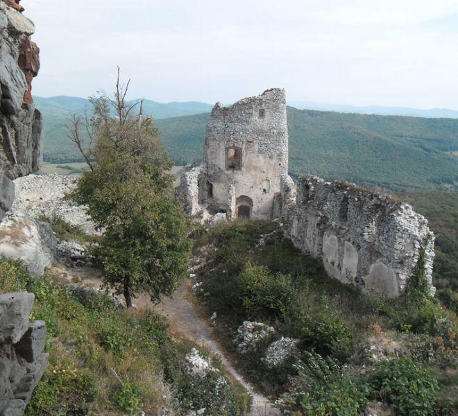 900-650-zrucanina-hradu-gymes-4-min