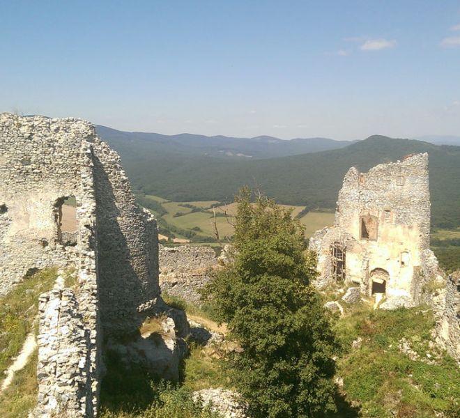 900-650-zrucanina-hradu-gymes-5-min